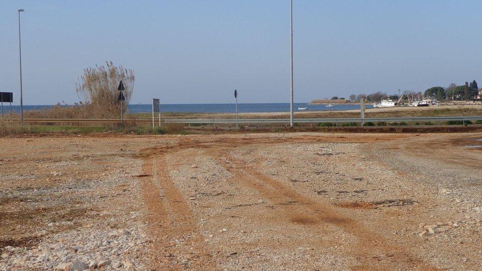 Građevinsko zemljište u prvome redu do mora na atraktivnoj lokaciji kod Novigrada