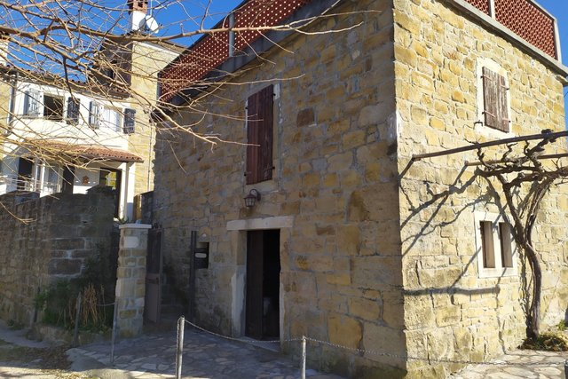 Momjan and stone houses  for sale with sea view